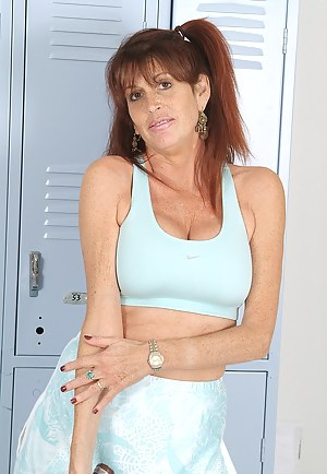 Free MILF Pigtails Porn Pictures