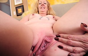 Free MILF Tattoo Porn Pictures