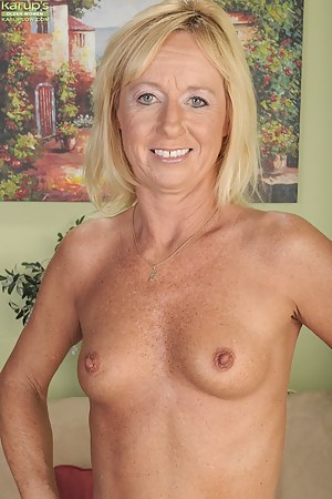Free Small Tits MILF Porn Pictures