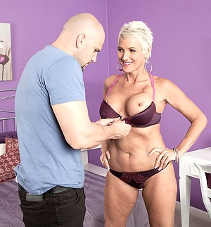 Free MILF Undressing Porn Pictures