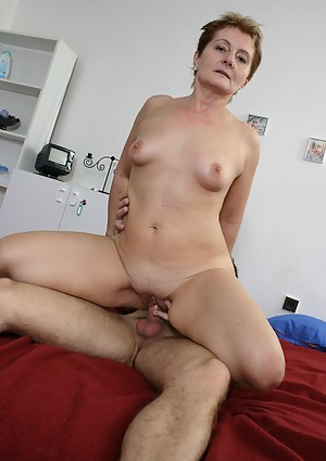 Free MILF Cowgirl Porn Pictures